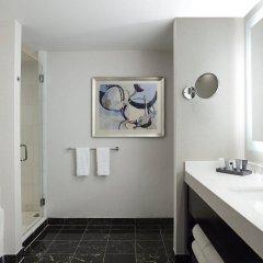 Отель JW Marriott Essex House New York США, Нью-Йорк - 8 отзывов об отеле, цены и фото номеров - забронировать отель JW Marriott Essex House New York онлайн ванная фото 2