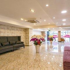 Отель Emerald Central интерьер отеля