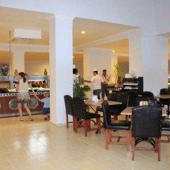 Larissa Beach Club Турция, Сиде - 1 отзыв об отеле, цены и фото номеров - забронировать отель Larissa Beach Club онлайн питание фото 2