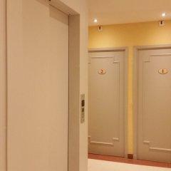 Hotel les Cigales сейф в номере
