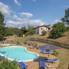 Отель Farmhouse Located in the Beautiful Aulla in Northern Tuscany Аулла бассейн
