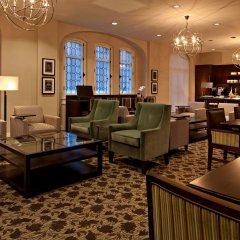 Отель Delta Hotels by Marriott Bessborough интерьер отеля
