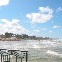 Отель Nives Италия, Риччоне - отзывы, цены и фото номеров - забронировать отель Nives онлайн пляж