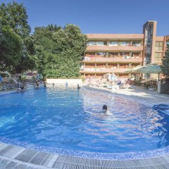 Kamchia Park Hotel бассейн