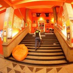 Отель Oki Doki Hostel Польша, Варшава - 1 отзыв об отеле, цены и фото номеров - забронировать отель Oki Doki Hostel онлайн интерьер отеля фото 2