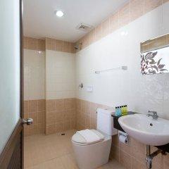 Golden House Hotel Patong Beach ванная фото 2