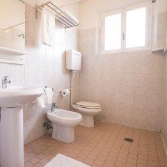 Отель 21 Riccione Италия, Риччоне - отзывы, цены и фото номеров - забронировать отель 21 Riccione онлайн ванная фото 2