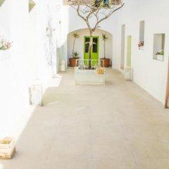Отель Lemon Tree Bed & Breakfast Мальта, Заббар - отзывы, цены и фото номеров - забронировать отель Lemon Tree Bed & Breakfast онлайн парковка