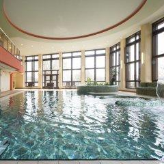 Отель Chateau Monty Spa Resort Чехия, Марианске-Лазне - отзывы, цены и фото номеров - забронировать отель Chateau Monty Spa Resort онлайн бассейн