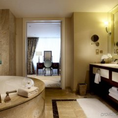 Отель Conrad Macao Cotai Central ванная