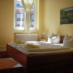 Отель Pension Fischer am Kudamm Германия, Берлин - отзывы, цены и фото номеров - забронировать отель Pension Fischer am Kudamm онлайн комната для гостей фото 3
