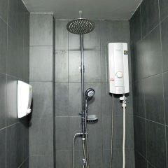 BTS Khaosan Hostel Бангкок ванная