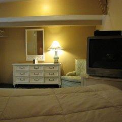 Отель Cinema Suites Bed & Breakfast США, Лос-Анджелес - отзывы, цены и фото номеров - забронировать отель Cinema Suites Bed & Breakfast онлайн удобства в номере фото 2