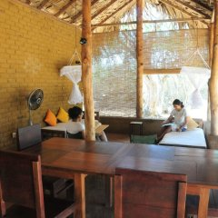 Отель Back of Beyond - Safari Lodge Yala с домашними животными