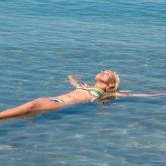 Отель Crowne Plaza Jordan Dead Sea Resort & Spa Иордания, Сваймех - отзывы, цены и фото номеров - забронировать отель Crowne Plaza Jordan Dead Sea Resort & Spa онлайн приотельная территория