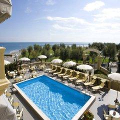 Hotel Vittoria бассейн