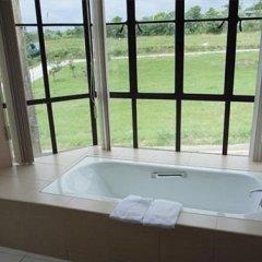 Отель Alfonso Hotel Филиппины, Тагайтай - отзывы, цены и фото номеров - забронировать отель Alfonso Hotel онлайн ванная фото 2