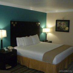Отель Holiday Inn Express VAN NUYS США, Лос-Анджелес - отзывы, цены и фото номеров - забронировать отель Holiday Inn Express VAN NUYS онлайн комната для гостей фото 5