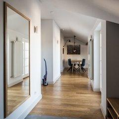 Отель Riga Lux Apartments - Skolas Латвия, Рига - 1 отзыв об отеле, цены и фото номеров - забронировать отель Riga Lux Apartments - Skolas онлайн интерьер отеля фото 3