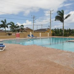 Апартаменты Ocho Rios Palm View Villa And Apartments Очо-Риос бассейн