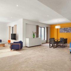 Ramada Hotel & Suites by Wyndham JBR Дубай помещение для мероприятий