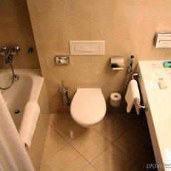 Отель Holiday Inn Vilnius Вильнюс ванная