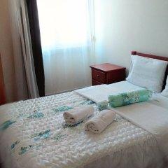 Absolut Morning Hostel Лиссабон комната для гостей