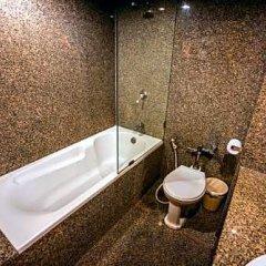 Отель White Palace Bangkok ванная