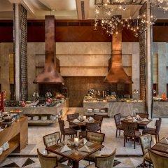 Отель Diamond Hotel Philippines Филиппины, Манила - отзывы, цены и фото номеров - забронировать отель Diamond Hotel Philippines онлайн питание фото 3