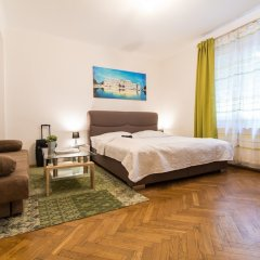Апартаменты Checkvienna – Apartment Kroellgasse Вена комната для гостей фото 18