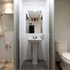 Отель K-Guesthouse Myeongdong 2 Южная Корея, Сеул - отзывы, цены и фото номеров - забронировать отель K-Guesthouse Myeongdong 2 онлайн ванная фото 2