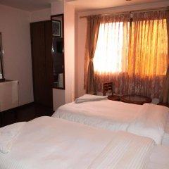 Отель Backyard Hotel Непал, Катманду - отзывы, цены и фото номеров - забронировать отель Backyard Hotel онлайн сейф в номере