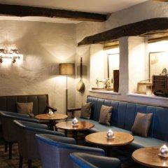 Отель Crooklands Hotel Великобритания, Мильнторп - отзывы, цены и фото номеров - забронировать отель Crooklands Hotel онлайн гостиничный бар