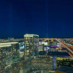 Отель Luxury Suites International by Vdara США, Лас-Вегас - отзывы, цены и фото номеров - забронировать отель Luxury Suites International by Vdara онлайн балкон