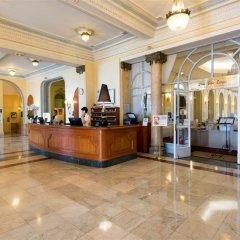 Отель Hôtel Vacances Bleues Le Royal Франция, Ницца - 4 отзыва об отеле, цены и фото номеров - забронировать отель Hôtel Vacances Bleues Le Royal онлайн интерьер отеля фото 2