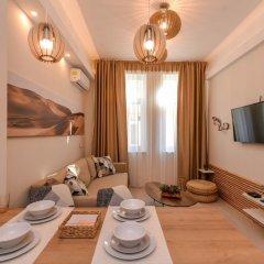 Отель FM Luxury 1-BDR Apartment - Sofia Dream Desert Болгария, София - отзывы, цены и фото номеров - забронировать отель FM Luxury 1-BDR Apartment - Sofia Dream Desert онлайн комната для гостей фото 4