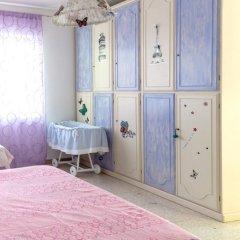 Апартаменты Apartment With 4 Bedrooms in Recanati, With Wonderful Mountain View, Enclosed Garden and Wifi - 8 km From the Beach Реканати сейф в номере