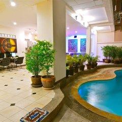 Squareone - Hostel бассейн