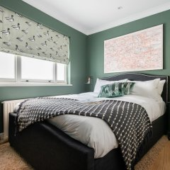 Отель The Kensington Palace Mews - Bright & Modern 6bdr House With Garage Лондон комната для гостей фото 5