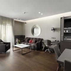 Отель Holiday Suites Афины комната для гостей фото 3