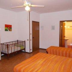 Отель Pensione Delfino Azzurro Лорето комната для гостей фото 4