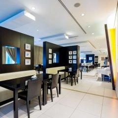 Отель Holiday Inn Express Dubai, Internet City питание фото 3