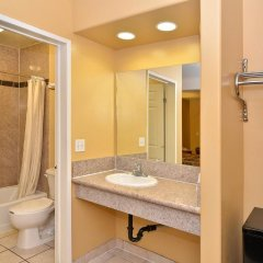 Отель Americas Best Value Inn - Alvarado Street Лос-Анджелес ванная