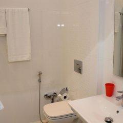 Отель Bristol Hotel Азербайджан, Баку - 9 отзывов об отеле, цены и фото номеров - забронировать отель Bristol Hotel онлайн ванная