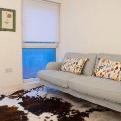 Отель 1 Bedroom Hidden Gem in Islington Лондон комната для гостей фото 2