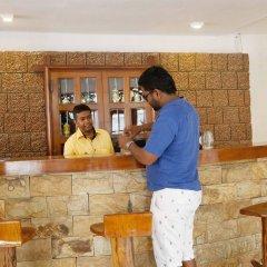 The Reef Beach Hotel Negombo гостиничный бар