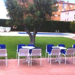 Отель House Beach Roses Испания, Курорт Росес - отзывы, цены и фото номеров - забронировать отель House Beach Roses онлайн бассейн фото 2
