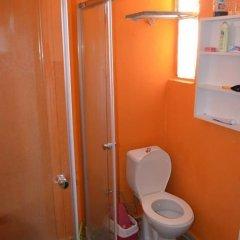 Хостел Shantihome Турция, Измир - отзывы, цены и фото номеров - забронировать отель Хостел Shantihome онлайн ванная