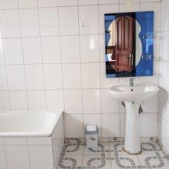 Отель HBNK Уганда, Остров Нгамба - отзывы, цены и фото номеров - забронировать отель HBNK онлайн ванная
