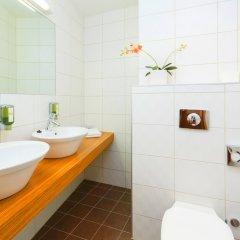 Hotel Bern by TallinnHotels ванная фото 2